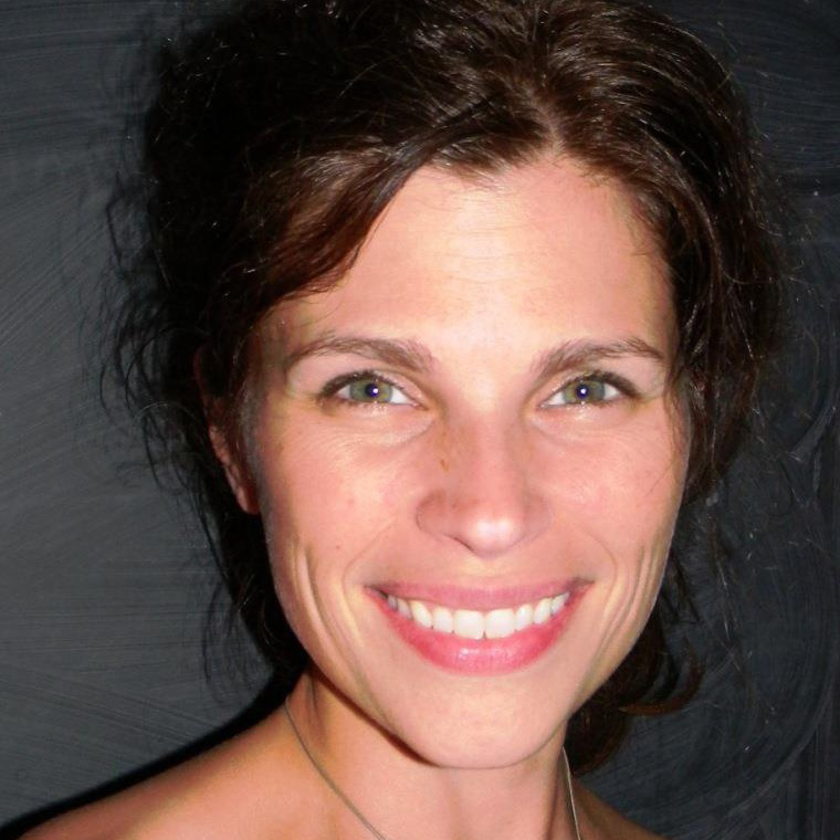 Leah Hamilton headshot