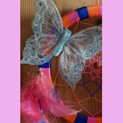 Butterfly dream catchers make for easy summer crafts.