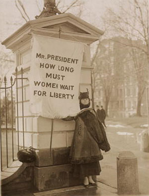 """Silent sentinel"" Alison Turnbull Hopkins at the White House on New Jersey Day, January 30, 1917 (Library of Congress)"