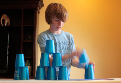 Child stacking cups