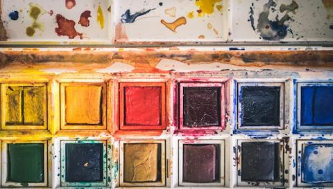 Photo of a paint palette