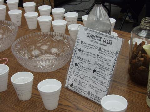 Divination class table