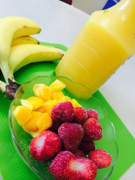 Fruit and juice for smoothies