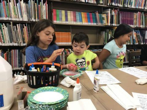 Children creating slime - photo credit: Joshua Jongsma/NorthJersey.com