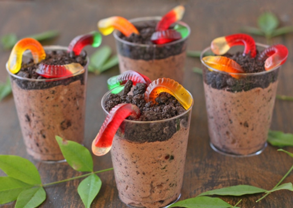 Dirt pudding and gummy worms, Photo credit: Oh! Nuts / Elizabeth LaBau